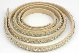Flad imiteret læder med rhinsten 9x2 mm beige