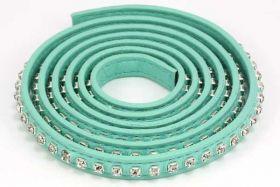 Flad imiteret læder med rhinsten 9x2 mm grøn