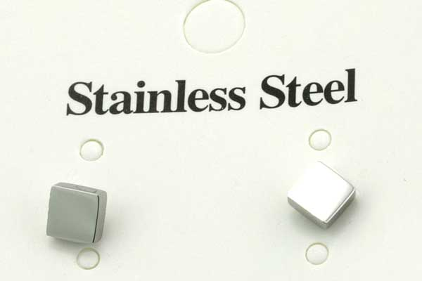 Rustfri stål ørestik kube 5 mm