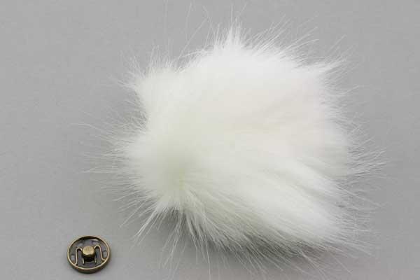 Pelskvast 100 mm hvid med tryklås