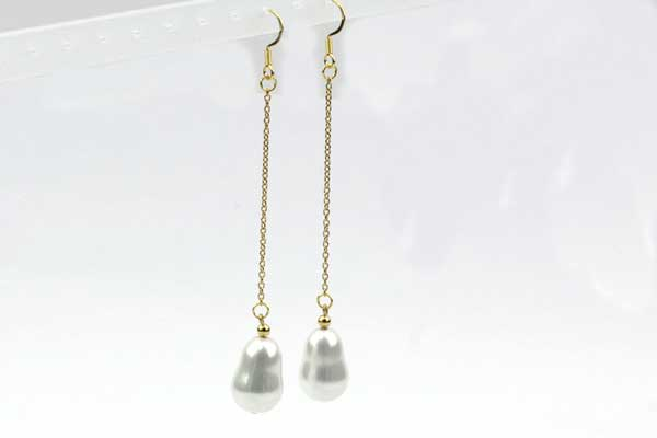 Øreringe rustfri stål med kæde og shell perler