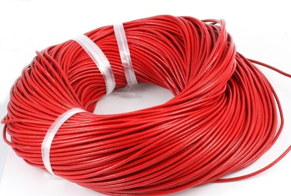 Lædersnøre rød 2 mm