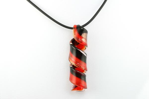 Murano glasvedhæng rød/sort