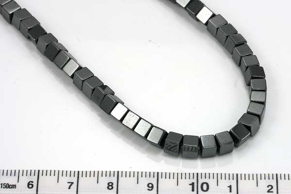 Hematit firkant 6 mm