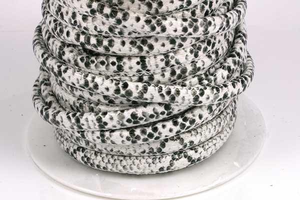 Imiteret slangeskind 6 mm Hvid