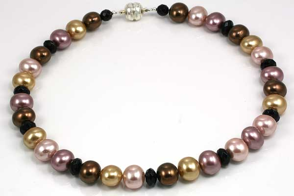 Halskæde med store shell perler