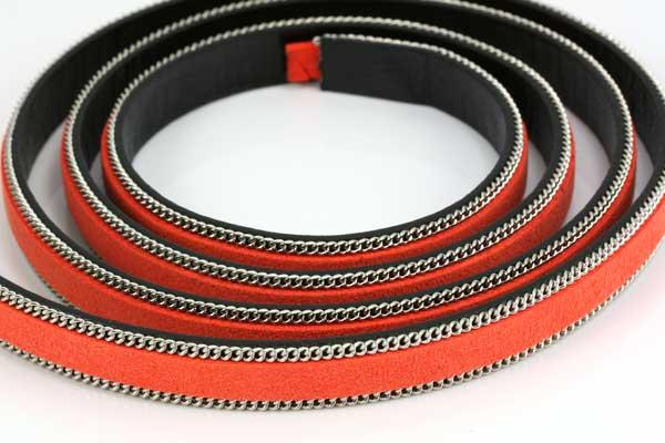 Flad imiteret læder med kæde 10x2 mm orange
