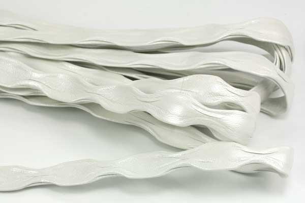 Flad bølget skind Perlemor 1/2 mtr
